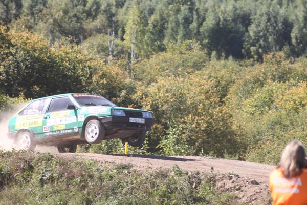 На фото: прыжок Сергея Ильина и Алексея Раскатова