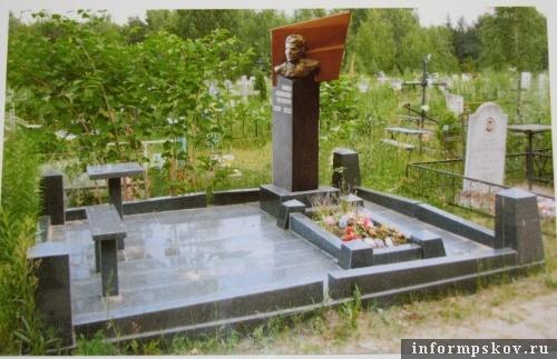 На фото: эскиз памятного знака Михаилу Минину