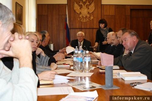 На фото: заседание оргкомитета по увековечению памяти М.Минина