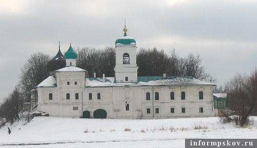 На фото: Мирожский монастырь