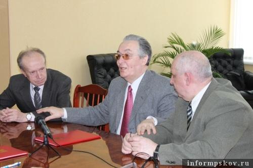 На фото: (слева направо) Иван Калинин, Леонид Трифонов, Валерий Павлов.