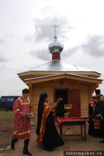 На фото: чин освящения часовни Святого Георгия Победоносца