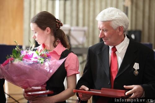 На фото: семья Савченковых (фото с www.pskov.ru)