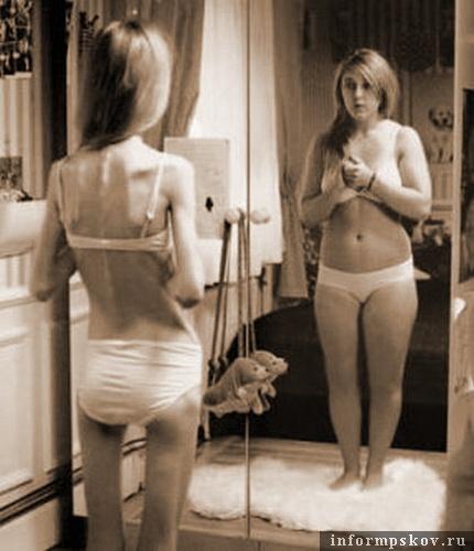 На фото: женская мнимая полнота