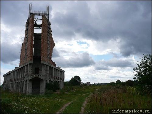 На фото: Дом пионеров в Пскове (фото с fotki.yandex.ru)