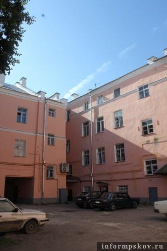 На фото: внутренний двор доходного дома Гельдта