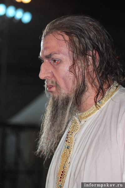 На фото: «Иван Грозный» в гриме.