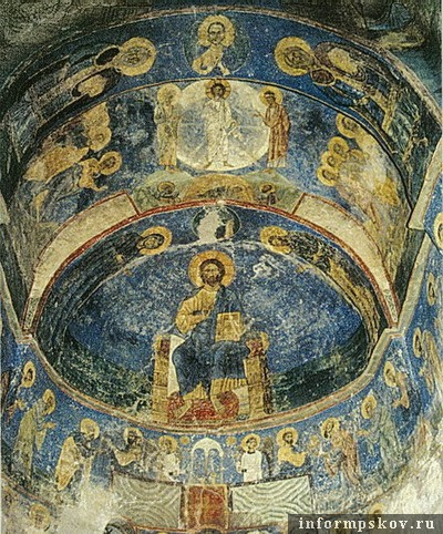 На фото: фрески Спасо-Преображенского собора Мирожского монастыря