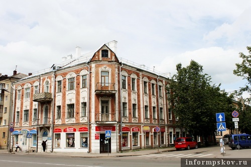 На фото: современный вид доходного дома Василия Поташева