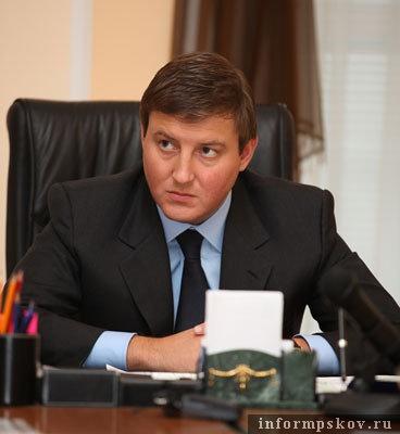 На фото: губернатор Псковской области Андрей Турчак (фото с http://www.pskov.ru/)