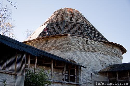 На фото: Покровская башня