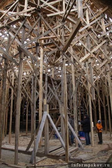 На фото: под шатром Покровской башни