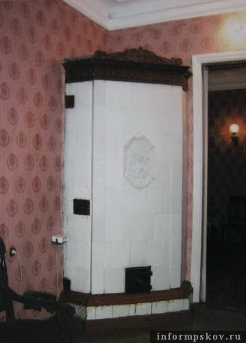 На фото: такая печь согревала квартиру Лурьи (Фото из архива НПЦ)