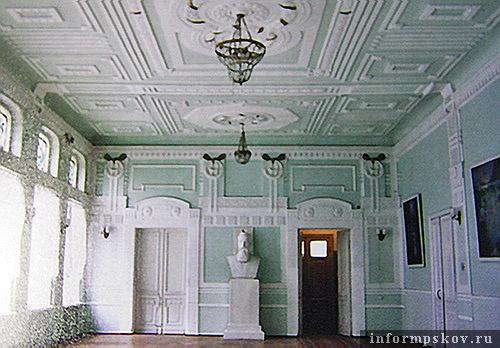 На фото: операционный зал бывшего Госбанка. 2006 год. (Фото из архива НПЦ)