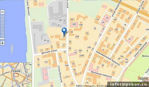 На фото: карта Пскова