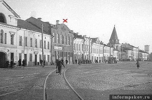 На фото: дом Александрова на Торговой площади