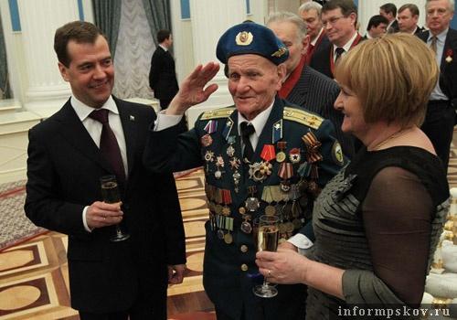 На фото: Алексей Соколов на вручении госнаград (фото с rg.ru)