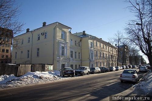 На фото: особняк Карла Гельдта (крайний слева)