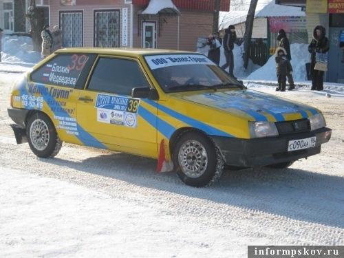 На фото: автомобиль Алексея Блохина на ралли «Струги Красные - 2011»
