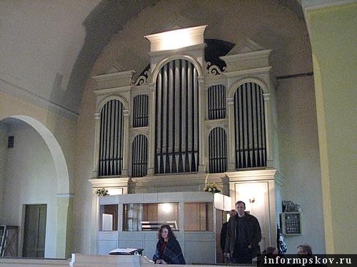 На фото: орган в Лютеранской кирхе Печор