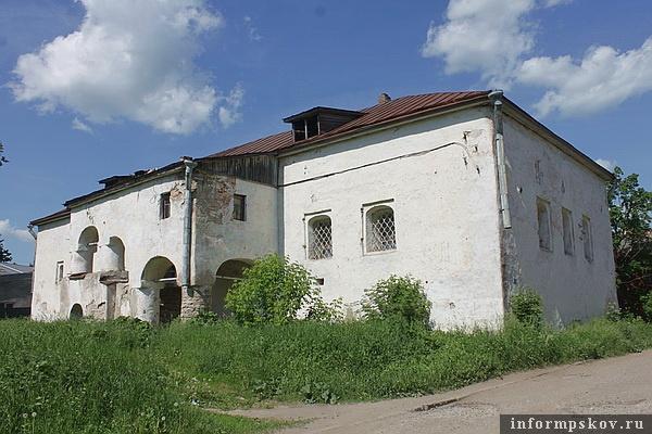На фото: здание Солодёжни