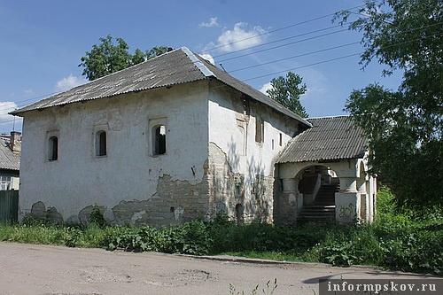 На фото: дом Печенко
