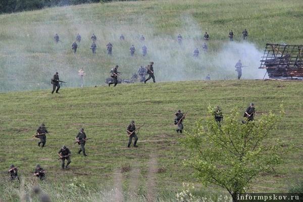 На фото: поле боя (фото Елены Воронковой)