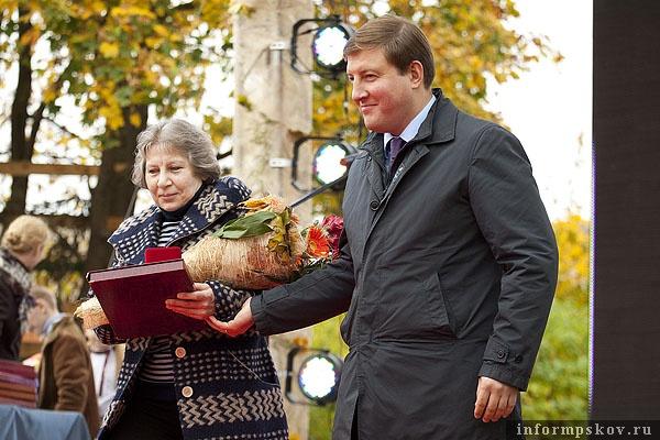 На фото: Наталья Ткачёва и Андрей Турчак