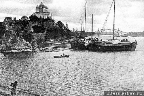 На фото: Плоская башня. Фото начала XX века
