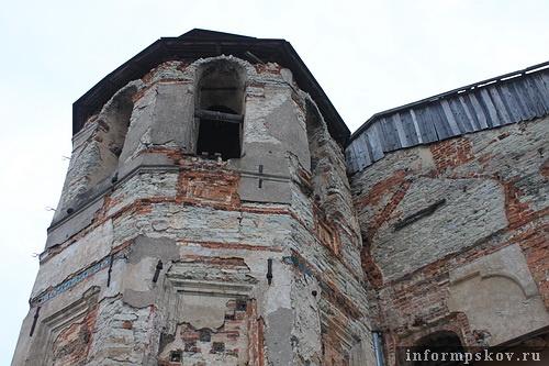 На фото: колокольня церкви Одигитрии