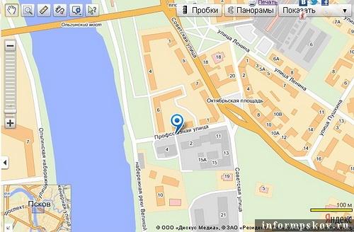 На фото: карты губернского и современного Пскова