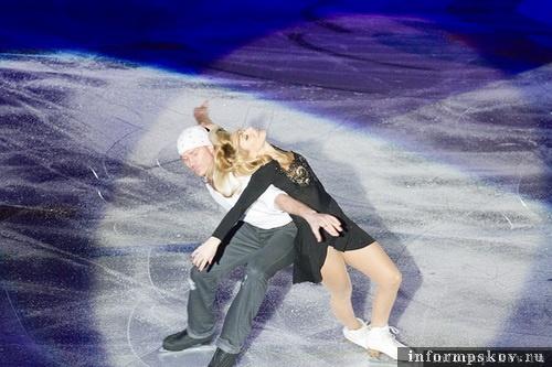 На фото: Татьяна Навка и Роман Костомаров