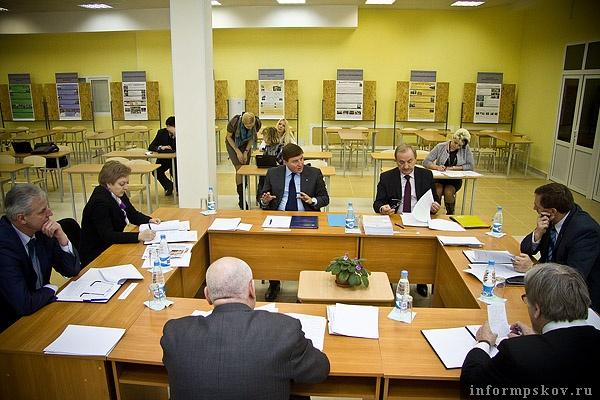 На фото: заседание попечительского совета ПсковГУ