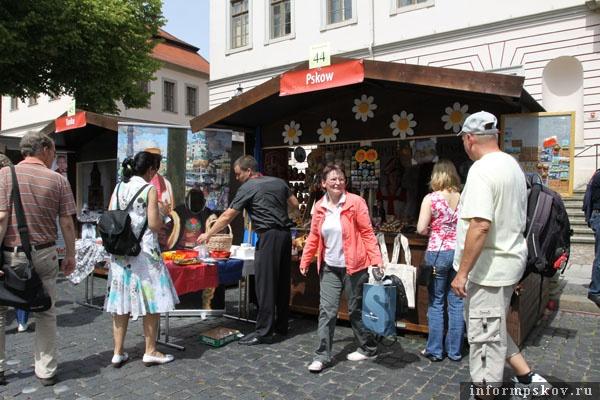 На фото: Псковская ганзейская презентационная площадка в Люнебурге