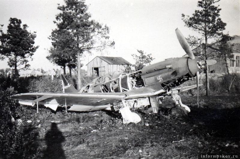 Остался на крестовском аэродроме и МиГ-3. Его принадлежность пока не определена.