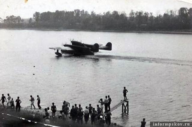 На фото: Взлет Blohm & Voss BV 138 с Великой.