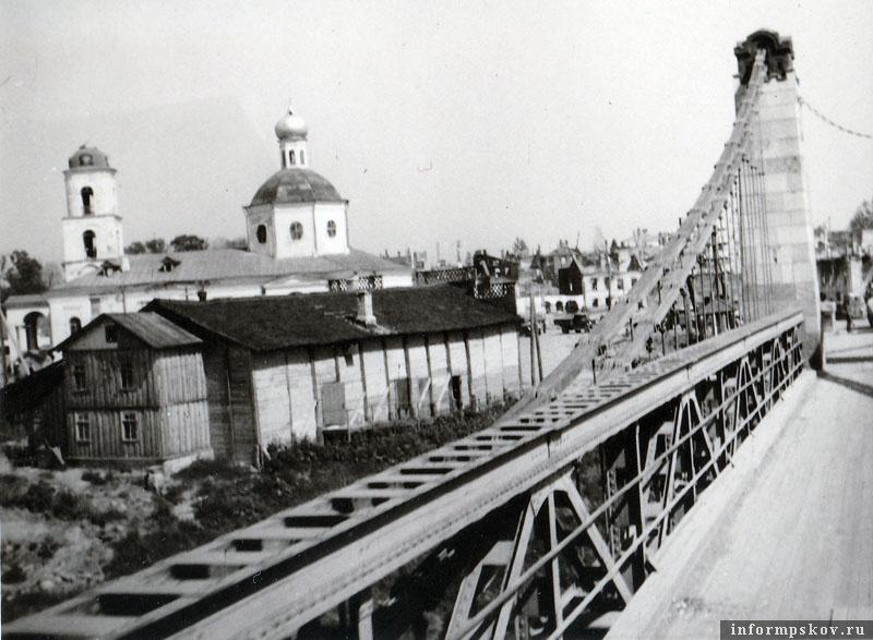 На фото: Таким немцы увидели Остров в июле 1941-го.