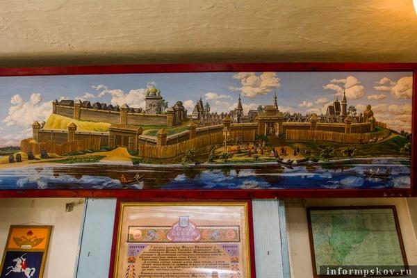 На фото: картина, изображающая крепость на Замковой горе в Себеже