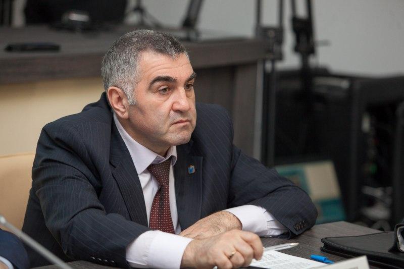 Армен Мнацаканян