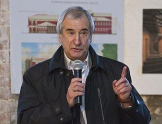 Голышев развеял мифы о 5 млрд на юбилей Изборска и пообещал открыть театр к декабрю