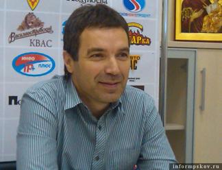 НАРОДНАЯ ЛЕНТА: Председатель Федерации автоспорта Псковской области Олег Мыслевич отмечает юбилей