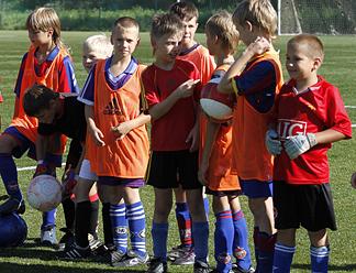 Четыре медали привезли юные футболисты Пскова из Испании